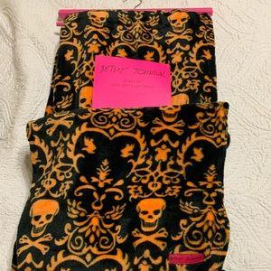 Betsey Johnson orange black skull throw Halloween